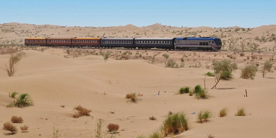 Train Régistan dans le désert