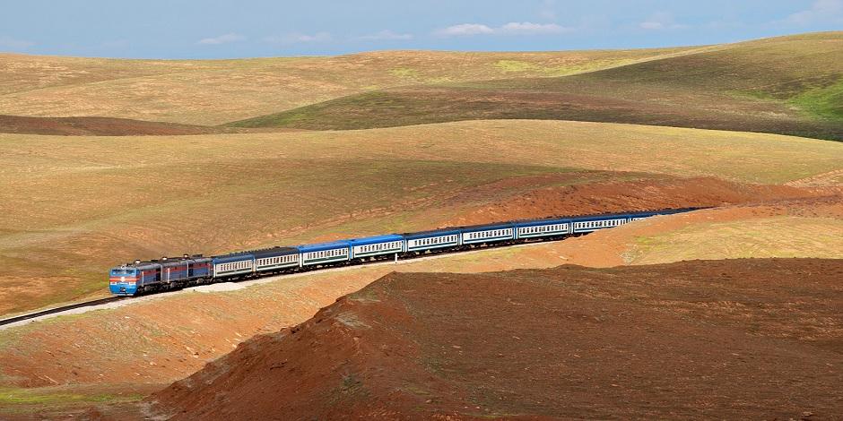 Train Uzbekistan Railways