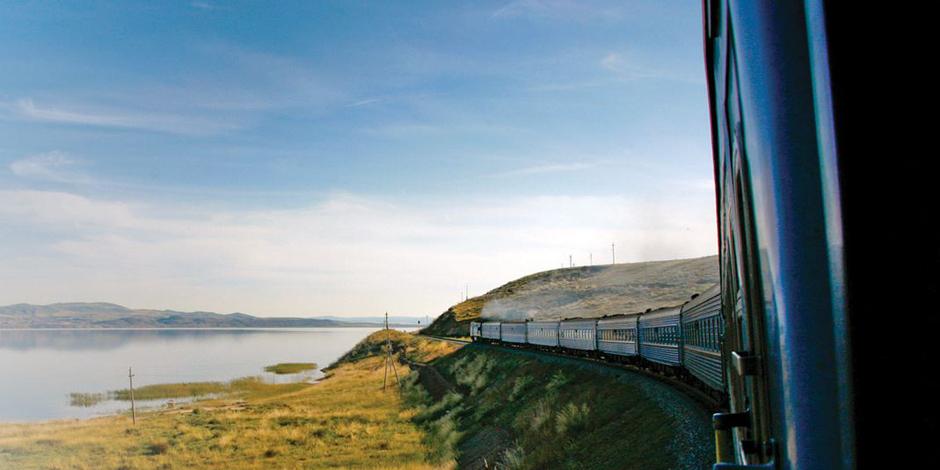 Longer le Lac Baïkal en train