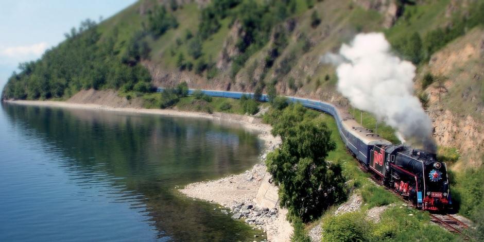 Golden Eagle au bord du fleuve