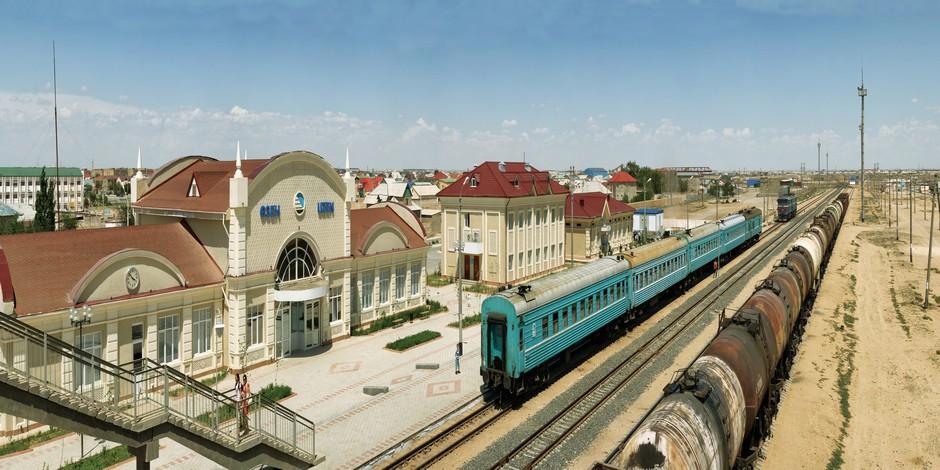 Un train classique du Kazakhstan