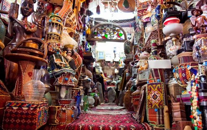 Boutique dans le souk de Shiraz