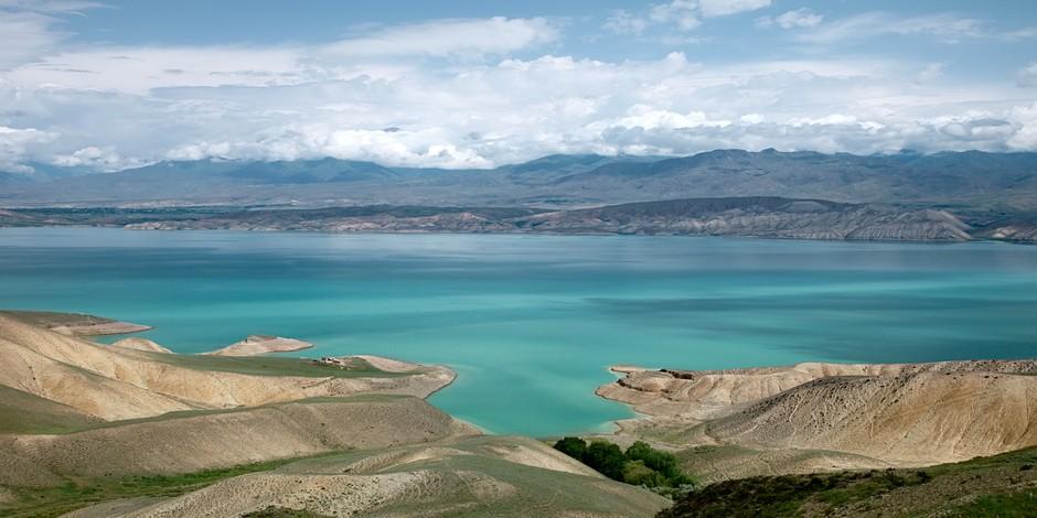 Le lac de Toktogoul