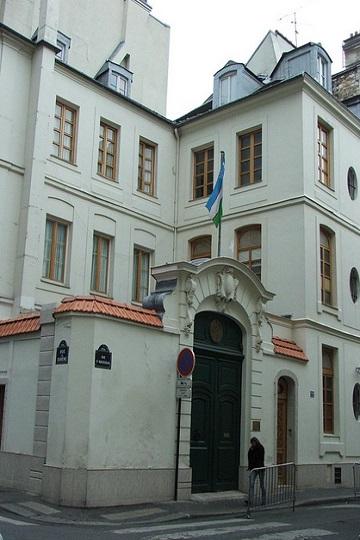 Ambassades et Consulats